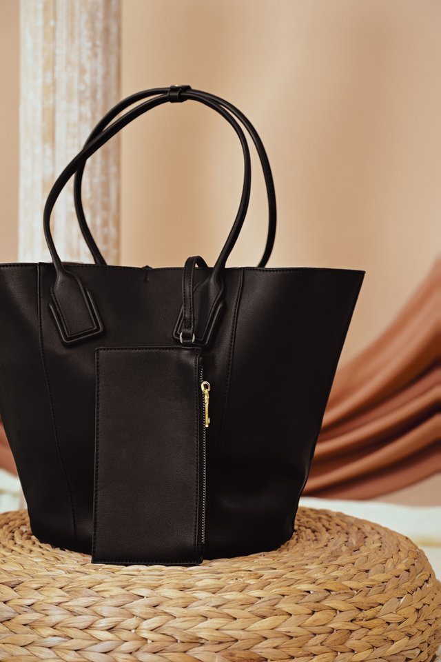 SERA TOTE IN BLACK
