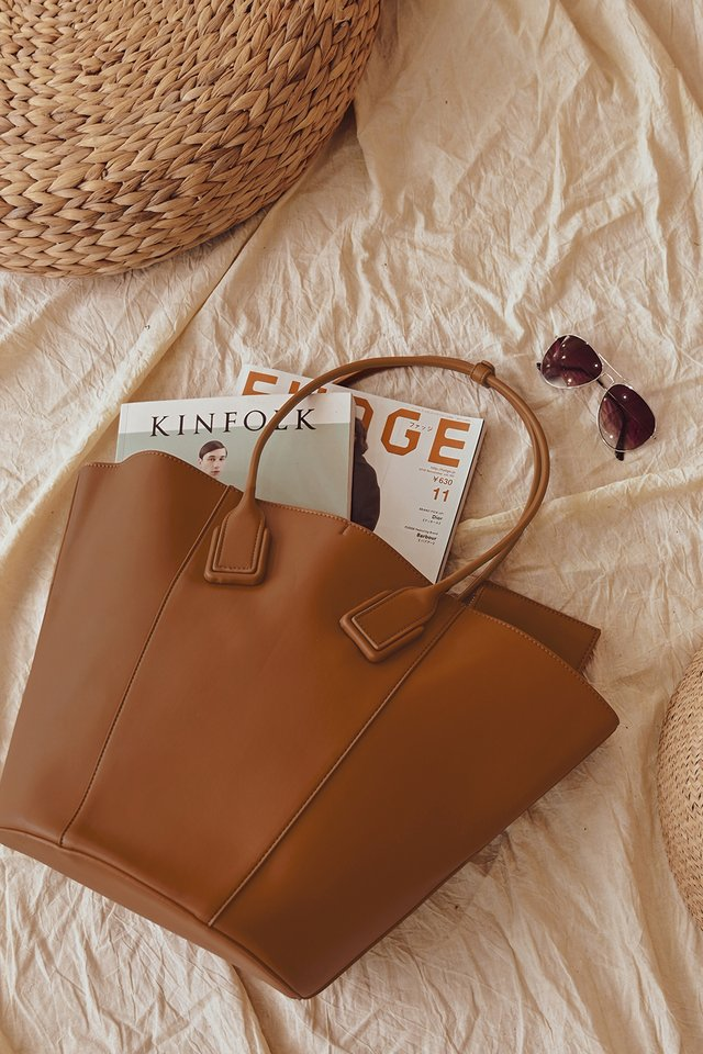 SERA TOTE IN BROWN