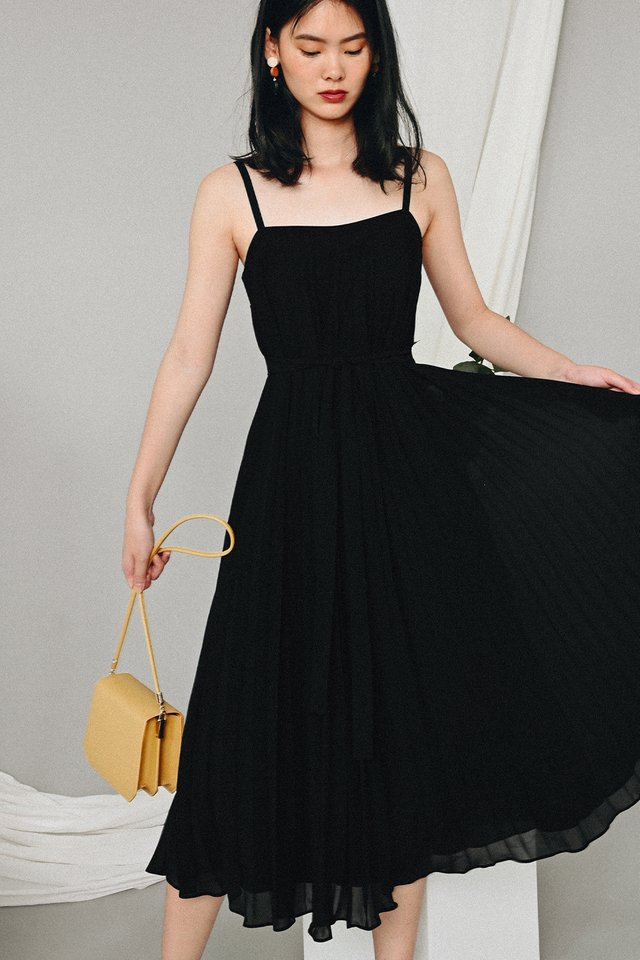 *RESTOCKED* AUDELIA PLEAT MAXI IN BLACK