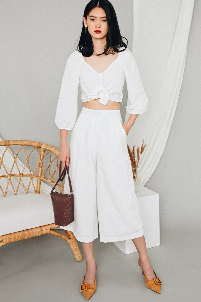 EDREA TIE TOP IN WHITE