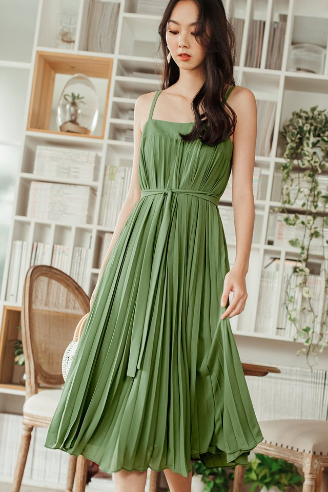 *RESTOCKED* AUDELIA PLEAT MAXI IN PISTACHIO