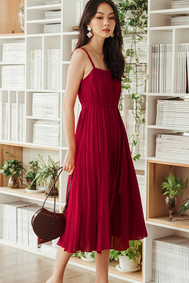 *BACKORDER* AUDELIA PLEAT MAXI IN RED