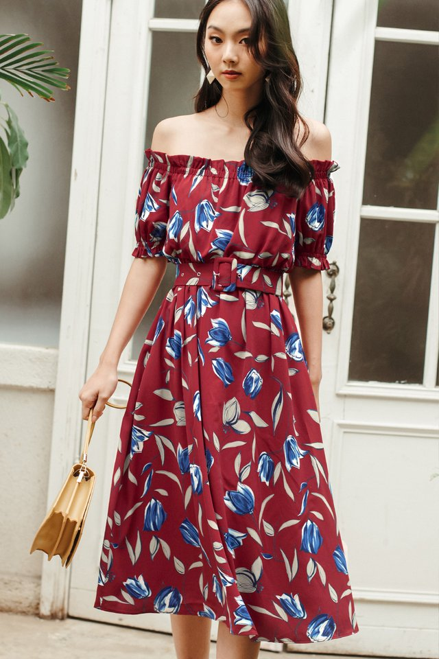 BARCLAY OFF SHOULDER MIDI IN RED