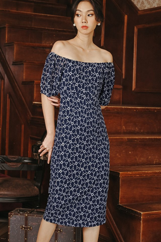 CAIRO OFF SHOULDER MIDI IN NAVY