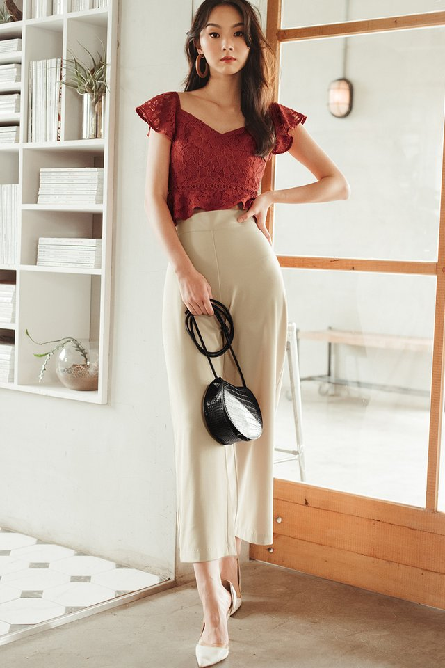 CHANNAY LACE TOP IN RUST BRICK