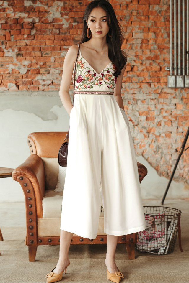 *BACKORDER 2* DANIA EMBROIDERY JUMPSUIT IN WHITE