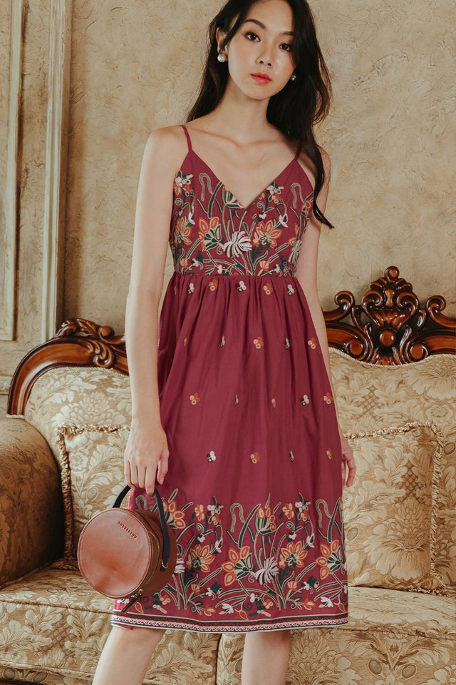 *BACKORDER* DANIA EMBROIDERY MIDI IN ROSE RED (S-XL)
