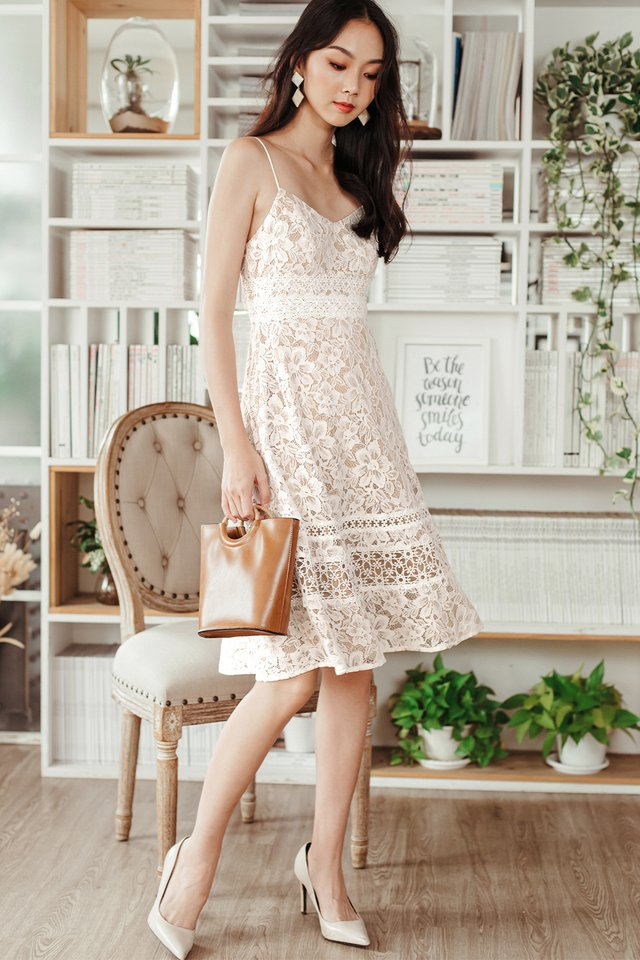 *BACKORDER* HARLEY APPLIQUE LACE MIDI IN WHITE (XS - M)