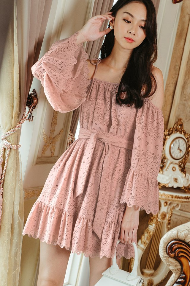 PACHO LACE DRESS IN PINK