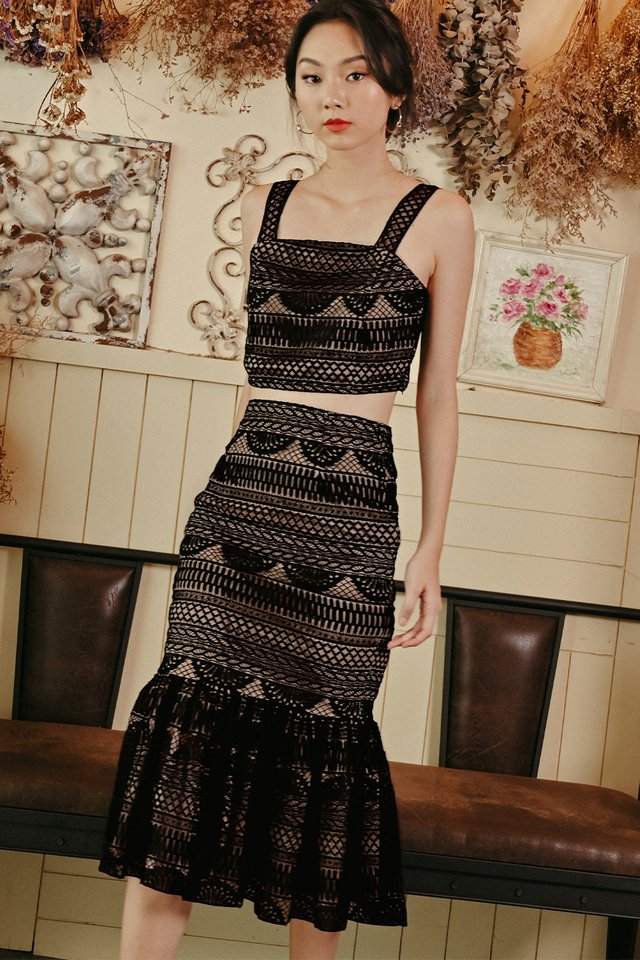 VINO CROCHET MIDI IN BLACK
