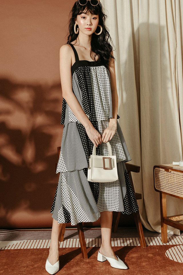 ARELENE MAXI IN MONOCHROME