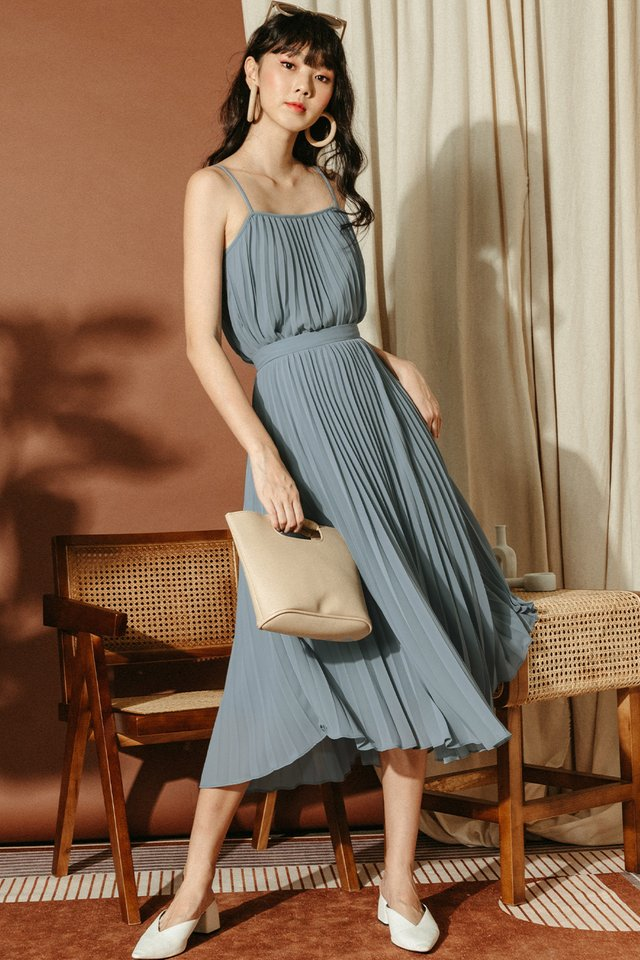 AUDELIA PLEAT SKIRT IN ASH BLUE