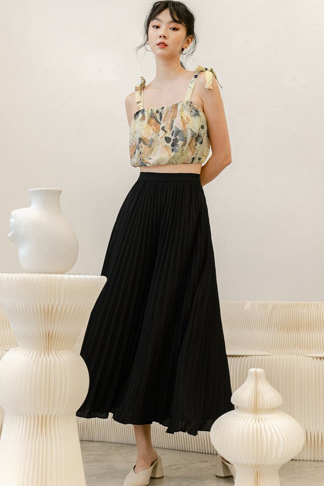 *BACKORDER* AUDELIA PLEAT PANTS IN BLACK (M - XL)