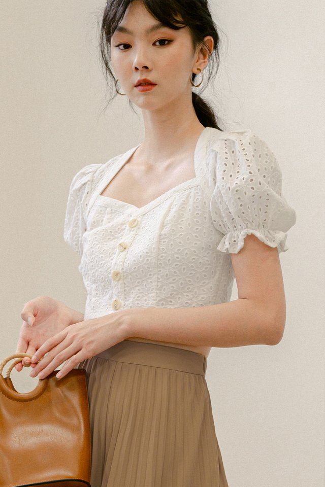 *BACKORDER* ROBIN EYELET TOP IN WHITE