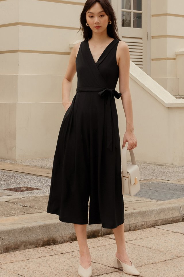 BRYTON LAPEL JUMPSUIT IN BLACK
