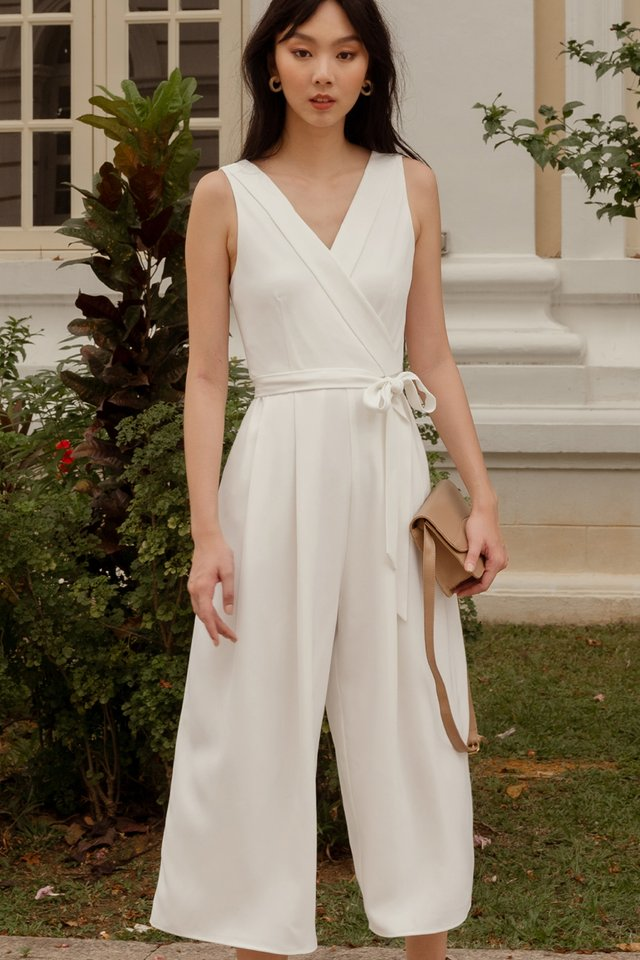 BRYTON LAPEL JUMPSUIT IN WHITE