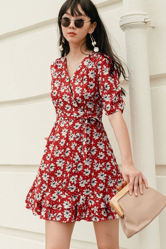 ACIRA WRAP DRESS IN RED