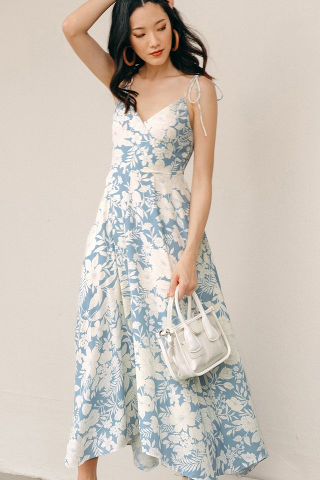 CHEVELL MAXI IN BLUE