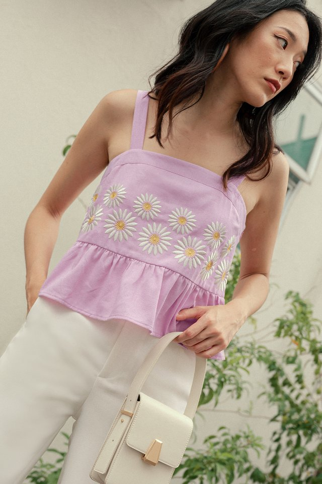 DAISIES EMBROIDERY TOP IN LAVENDER