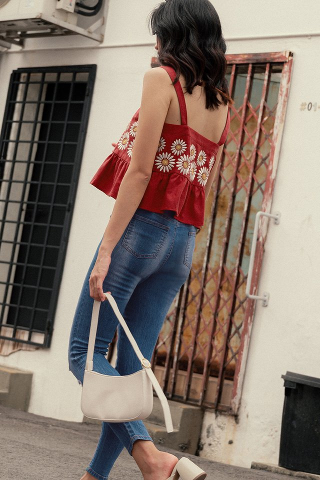 *BACKORDER* DAISIES EMBROIDERY TOP IN ROSE RED (XS-L)