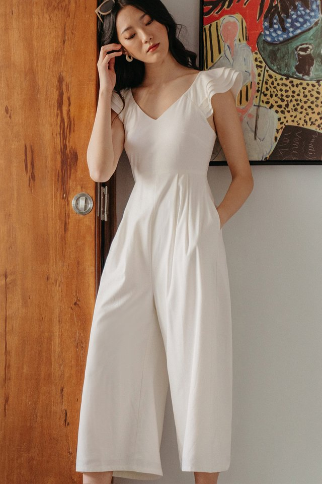 *BACKORDER* GAIL RUFFLE JUMPSUIT IN WHITE