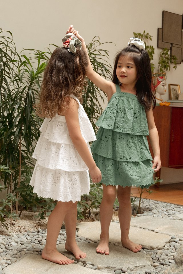 *KIDS* MAEKO EYELET DRESS IN SEAFOAM