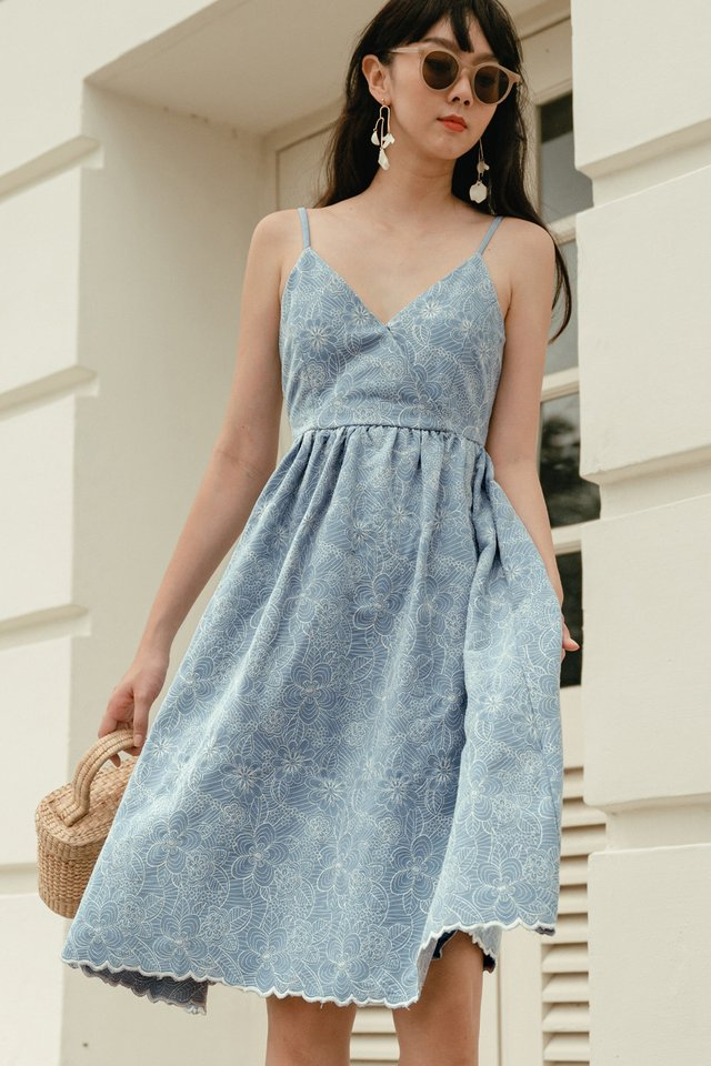 KIKKO EMBROIDERY MIDI IN ASH BLUE