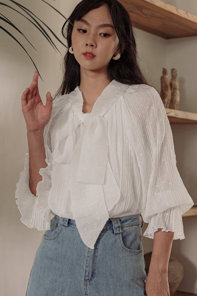 *BACKORDER* MADDOX CREPE TOP IN WHITE