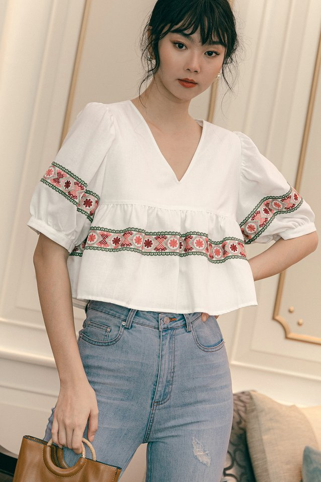 KAITO EMBROIDERY BABYDOLL TOP IN WHITE
