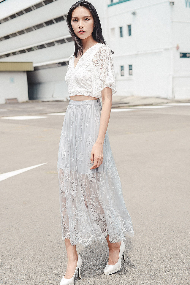 *BRIDGE* GENEVA LACE MAXI IN GREY
