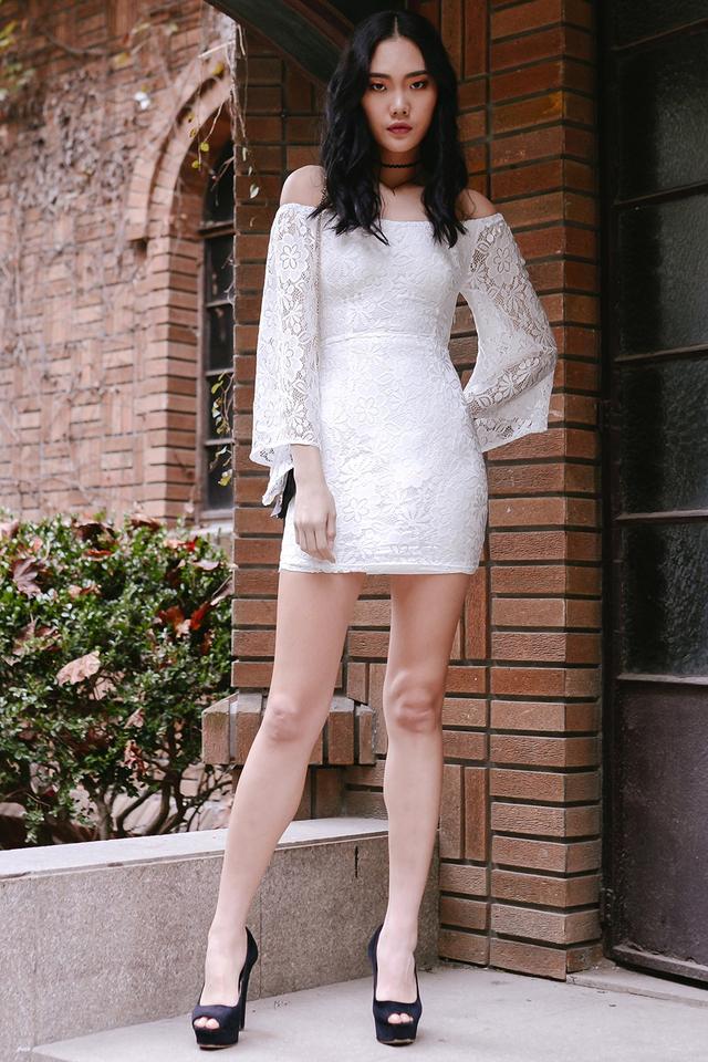 *BRIDGE* KYLA LACE DRESS IN WHITE