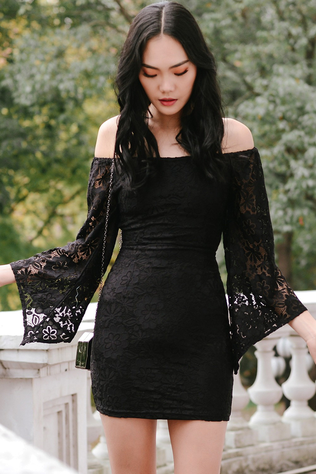 *BRIDGE* KYLA LACE DRESS IN BLACK