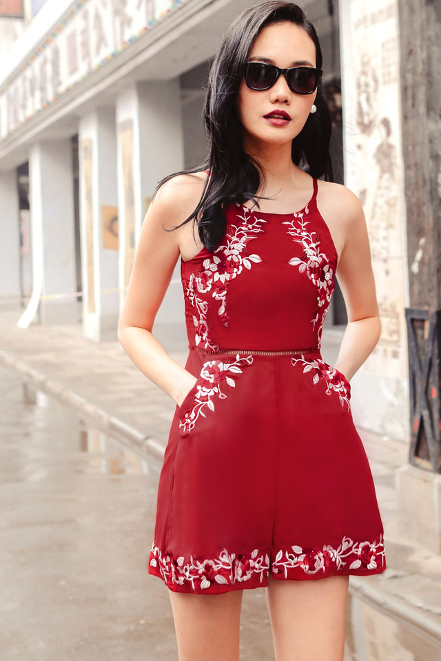 *BRIDGE* ROSETTE EMBROIDERY PLAYSUIT IN RED