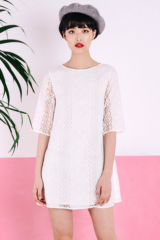 ANTOINETTE CROCHET DRESS IN WHITE