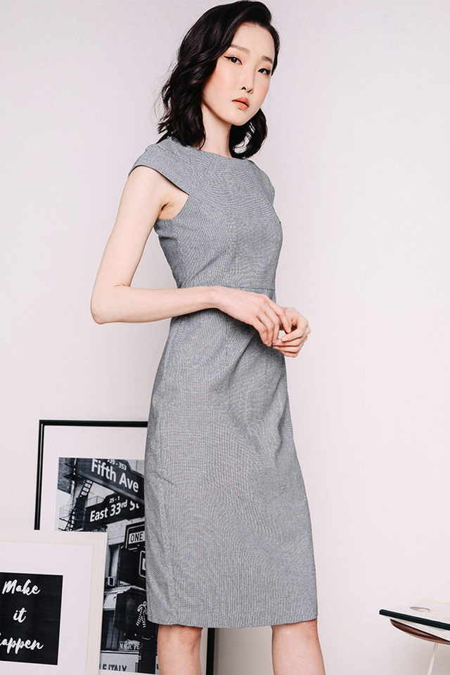 HOUNDSTOOTH SHEATH DRESS IN MONOCHROME