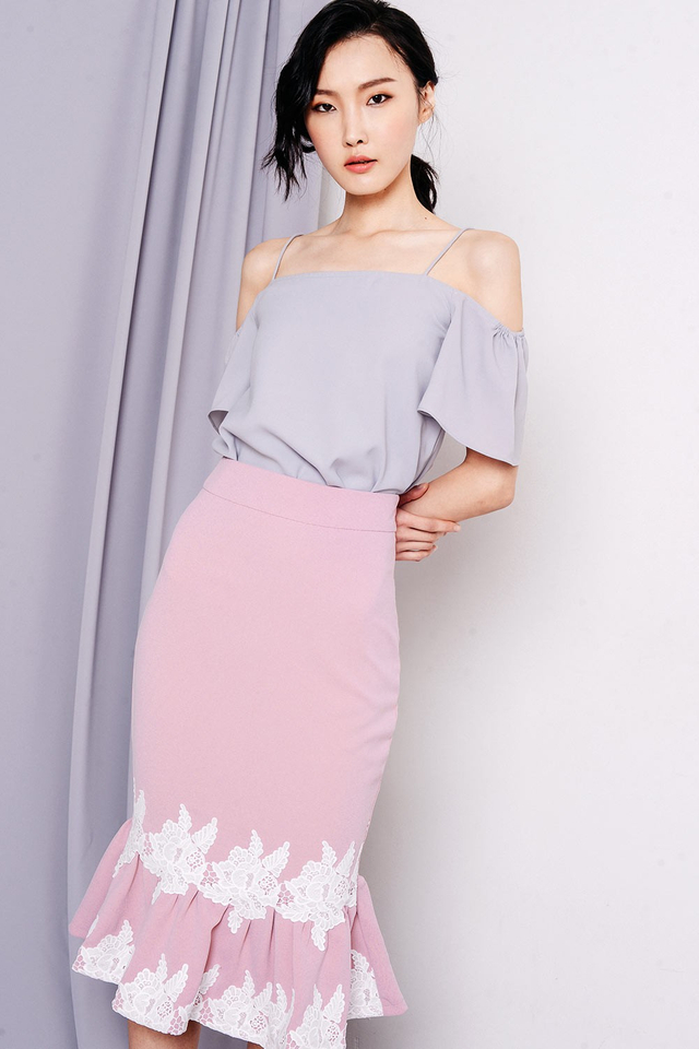 CARRYN APPLIQUÉ SKIRT IN PINK