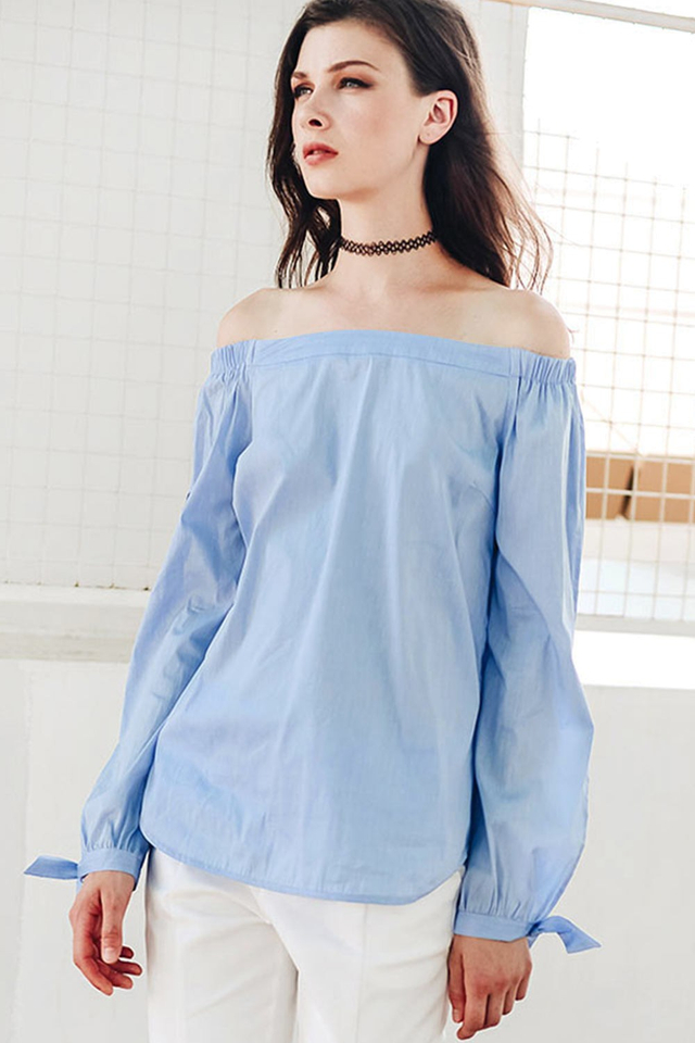 GWEN TUNIC TOP IN PERIWINKLE BLUE