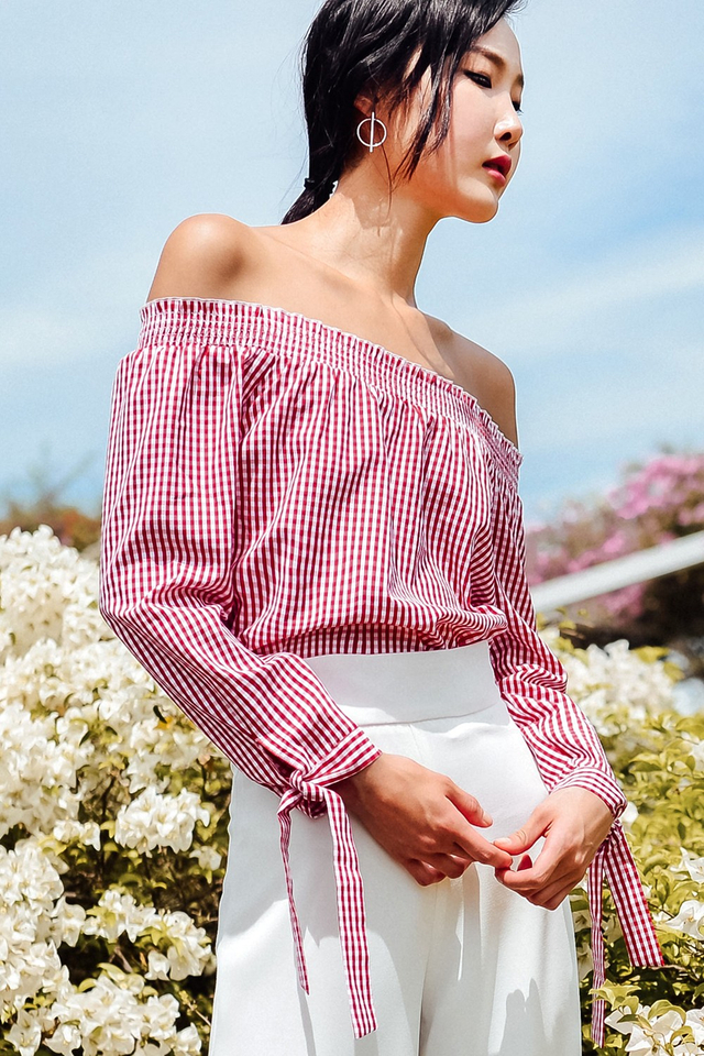 ZIA GINGHAM OFF SHOULDER TOP IN RED