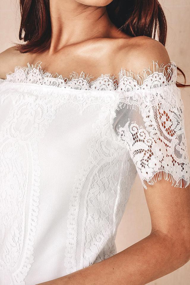 EBONY LACE DRESS IN WHITE