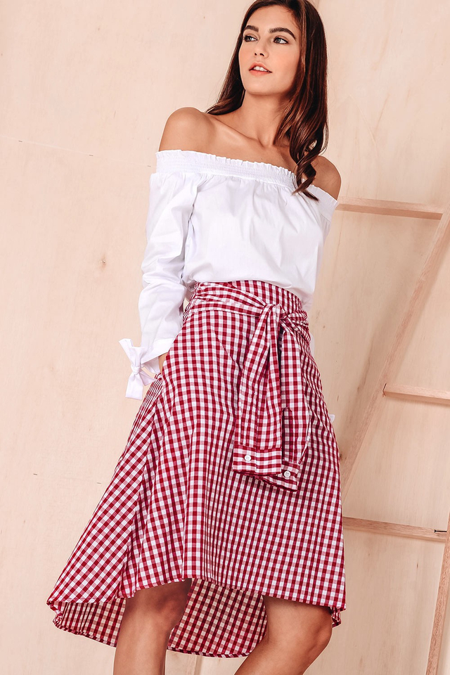 CASSIAR GINGHAM SKIRT IN RED