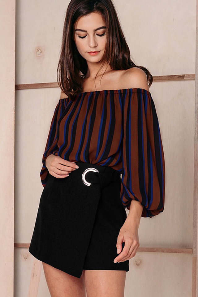 DELINA OFF SHOULDER TOP
