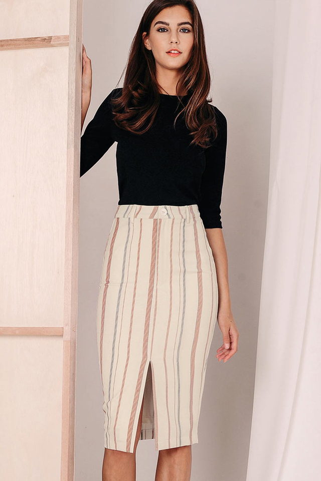 SOLANGE SLIT SKIRT IN CREAM