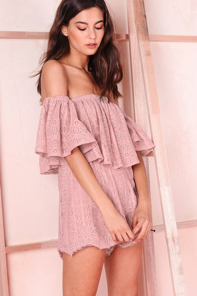 FLORENCIA LACE PLAYSUIT IN PINK