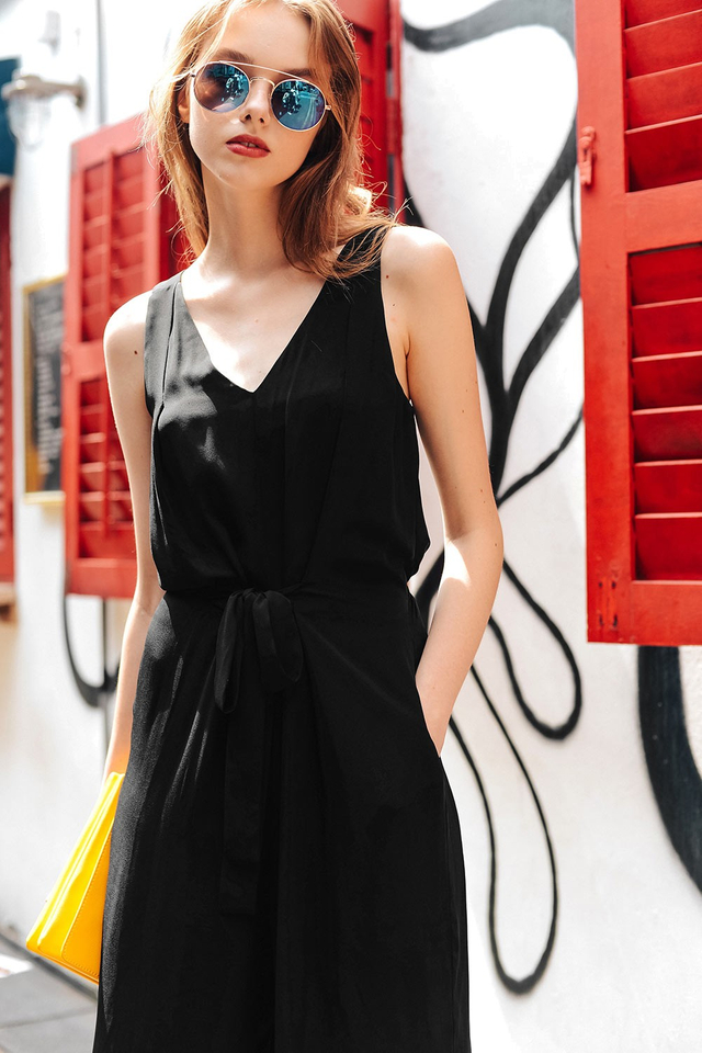 MONTANA JUMPSUIT IN BLACK