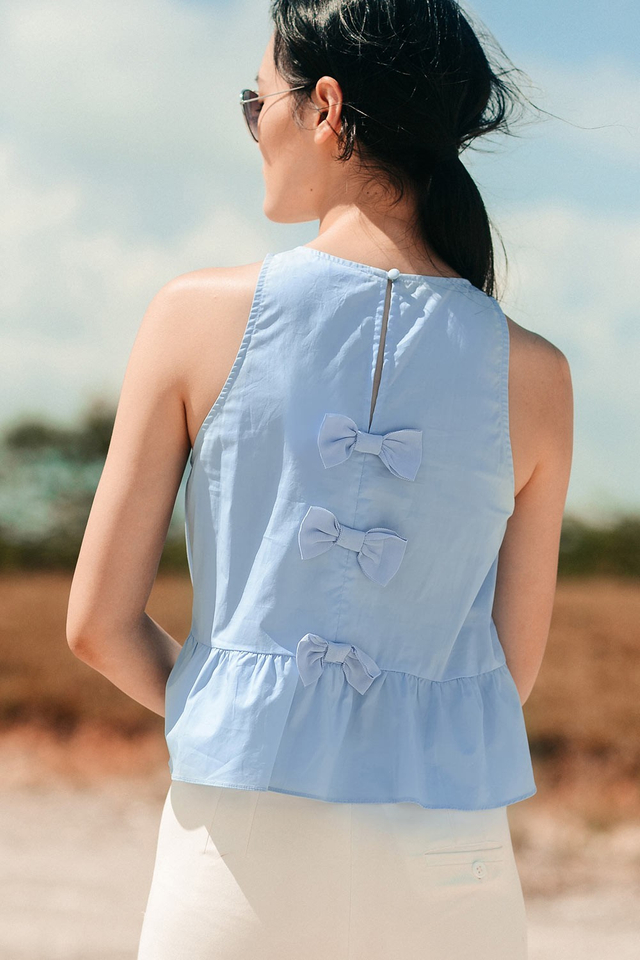 TRUDY BOW TOP IN PERIWINKLE BLUE