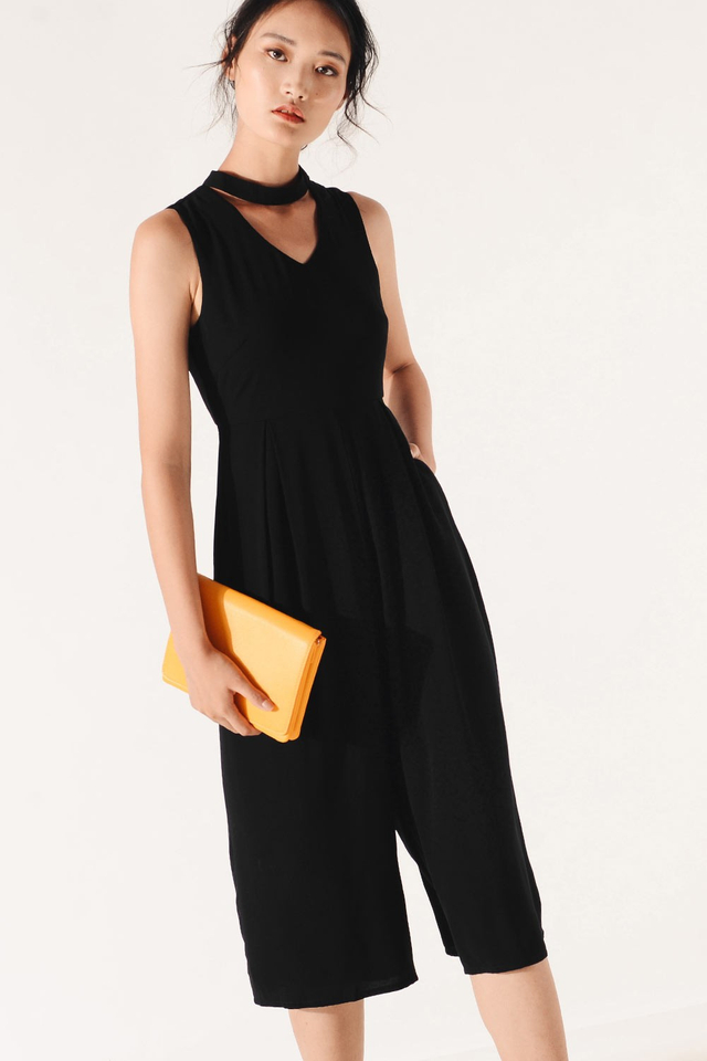 RIVE JUMPSUIT IN BLACK