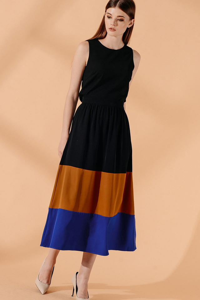 KARA MAXI SKIRT IN MAPLE BROWN