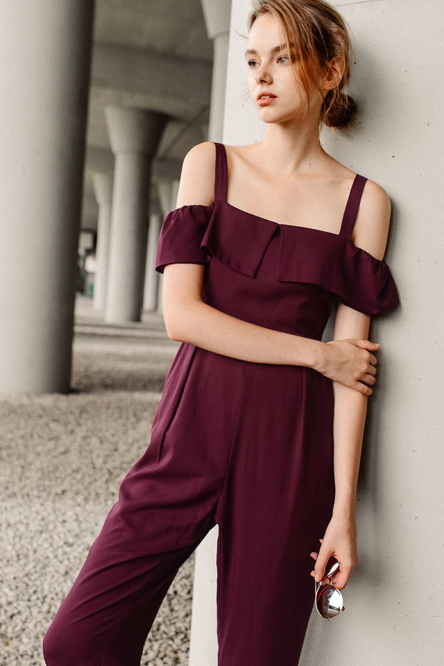BRITTANY JUMPSUIT IN WINE