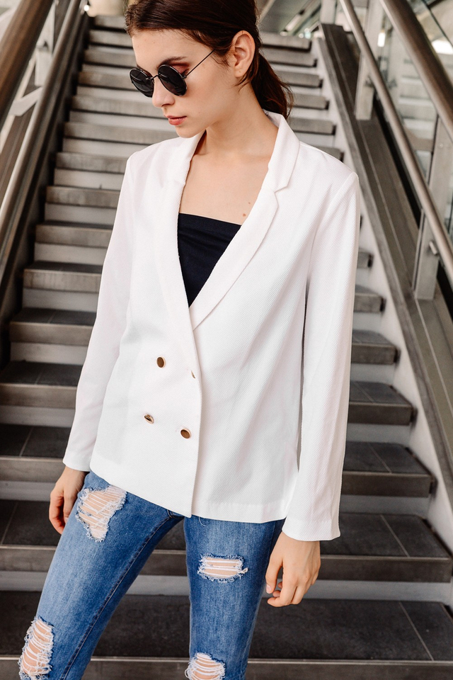CHANDLER RELAXED BLAZER IN WHITE