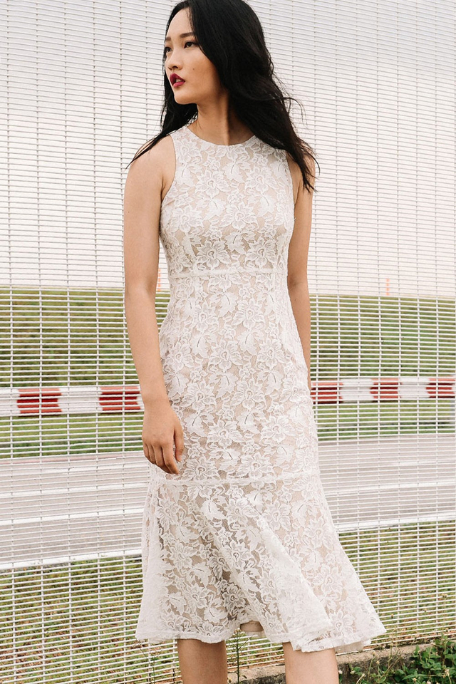 SEPHORA LACE MIDI IN WHITE